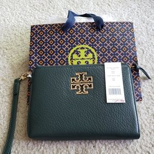 NWT Tory Burch Britten large zip pouch